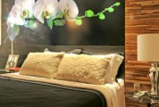 Floral wall art idea for fresh bedrooms